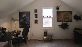 A photo of the Willamette Writers Dream House Middle Earth writing Room